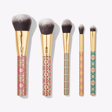 These are some of the best affordable makeup brushes you need to try!