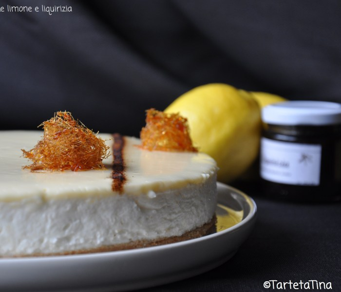 Cheesecake al limone e liquirizia