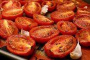 الطماطم المطبوخة تساعد في الحد من أمراض القلب أكثر من الطازجة