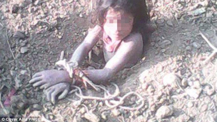 جريمة صادمة.. أب هندي يدفن ابنته ذات الـ 10 أعوام حية لأنه أراد ابنا