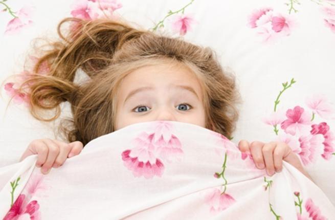 كيف نهدئ الأطفال بعد رؤية الكوابيس والأحلام المزعجة؟