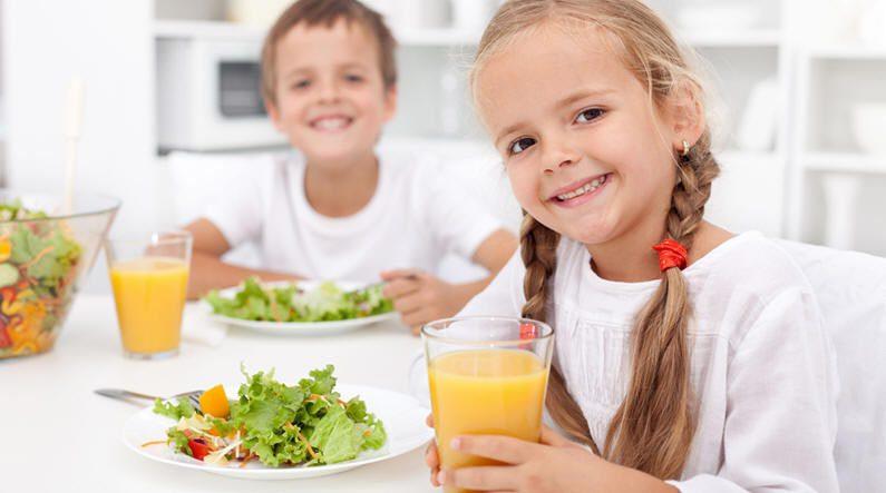 التغذية.. تزيد من الاستيعاب والتركيز عند الأطفال