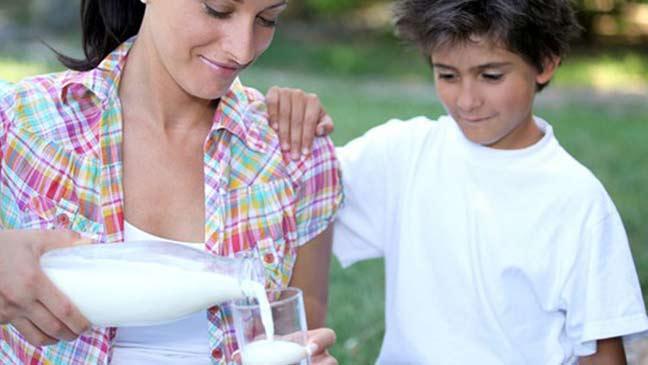 الاكثار من تناول الحليب مضر للصحة