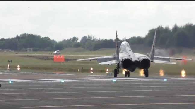 """اقلاع عمودي للطائرة المقاتلة """"ميغ 29"""""""