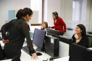 أماكن العمل التي يهيمن فيها الرجال تسبب التوتر عند النساء