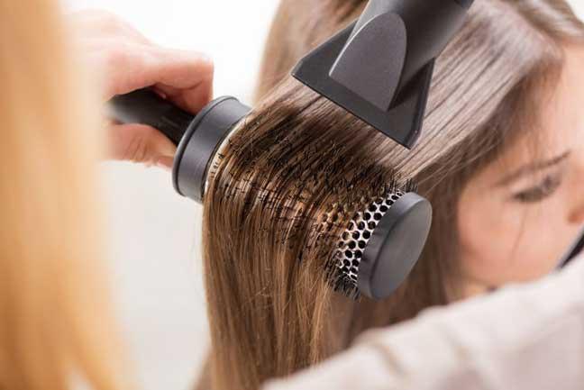 ارتفاع درجة حرارة المجفف قد يتلف شعرك