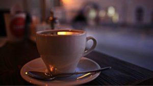 خدع القهوة للتأثير على أنماط النوم