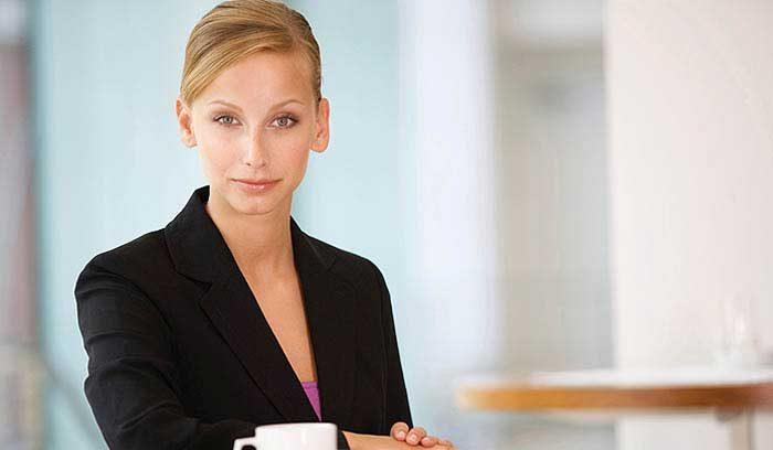 النساء العاملات وتساقط الشعر