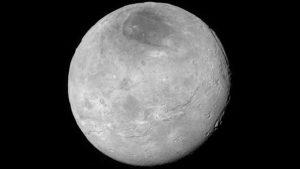 ناسا تنشر صورة فوتوغرفية معدلة لكارون قمر بلوتو