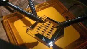 طالب مدرسة بريطاني يحقق اكتشافا ثوريا في الترانزستورات