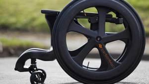 كرسي متحرك جديد مستوحى من سيارات الفورمولا 1