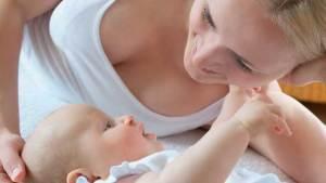 إنجاب أول طفل قبل بلوغ سن الـ30 يحمي من سرطان الثدي