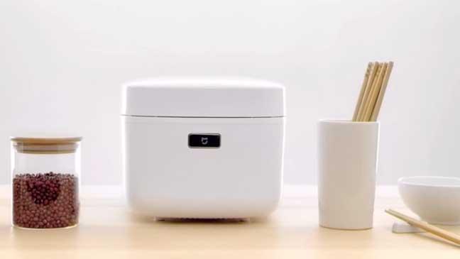 """شركة """" شاومي"""" تطلق طباخ أرزّ ذكياً يمكن التحكم فيه عبر الهاتف"""