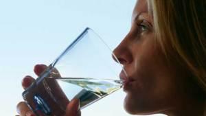 علماء يكتشفون أسباب الجفاف المزمن في الفم