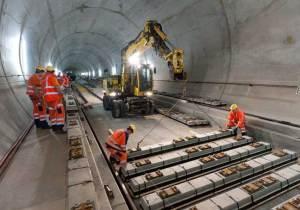 سويسرا تفتتح أطول نفق للسكك الحديدية في العالم