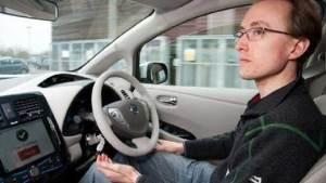 الخبراء يتنبأون بمستقبل مشرق للسيارات الذاتية القيادة