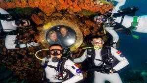 كيف تبدو الحياة داخل مختبر الأحياء الوحيد تحت الماء في العالم