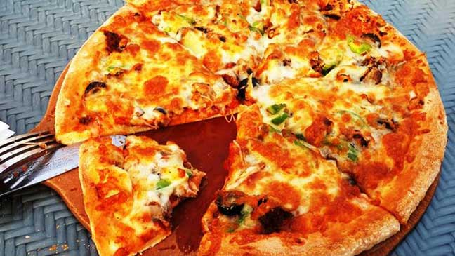 لماذا تُسبب البيتزا العطش؟