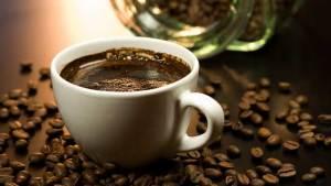 ما علاقة القهوة بضغط الدم؟