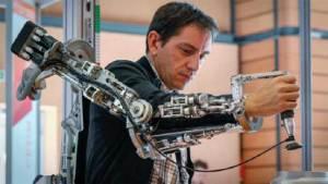 علماء روس يبتكرون تقنية جديدة لإعادة الحركة إلى الأطراف المشلولة