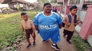 أسمن طفل في العالم سعيد لفقدانه 5 كغ من وزنه