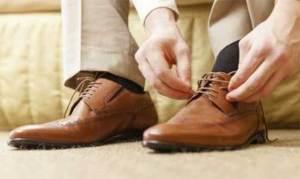 نصائح طبية لمواجهة تعرّق الرجلين