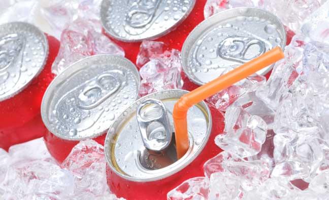 لندن: ضريبة على المشروبات الغازية لمنع السمنة