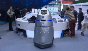 لأول مرة..الصين تستخدم الروبوت للدوريات الأمنية