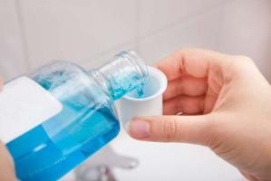 دراسة.. غسول الفم قد يُسبّب السرطان