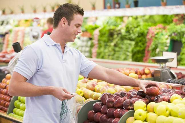 هل  يؤثر غذاء الأب على خصوبته ؟
