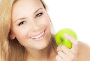 تناول تفاحة يومياً يُبعد عنكم 5 أنواع من السرطان