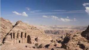 اكتشاف حدائق البتراء الأثرية بعد 2000 عام
