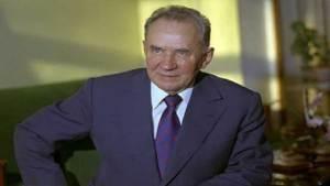 رفع النقاب عن أسطورة السياسة السوفيتية