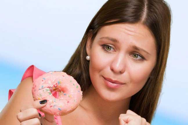 بهذه الطريقة يمكن أكل الحلوى دون زيادة الوزن