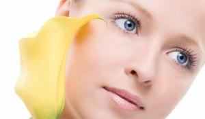 غسول الوجه بخلطات طبيعية للبشرة المتعبة