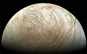 مسبار فضائي يبحث عن آثار كائنات حية في القمر أوروبا