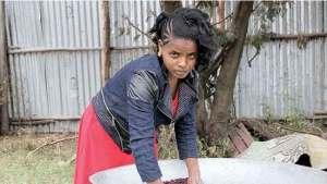 الفتاة الإثيوبية مولوورك أمباو