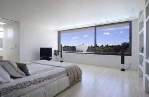 رقائق الكترونية تحول النافذة إلى شاشة تلفاز