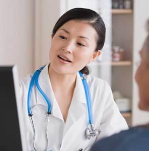 هل تصاب الحبال الصوتية بالتشنج؟