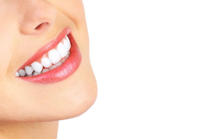تقرحات الفم.. الأسباب وطرق العلاج