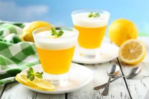 عصير الليمون الطازج أفضل