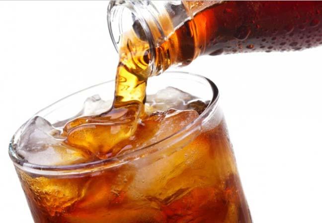 المشروبات الغازية تؤذي المعدة