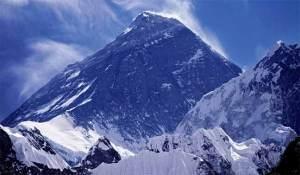 هل تقلّص جبل إفرست بالفعل جراء زلزال نيبال؟