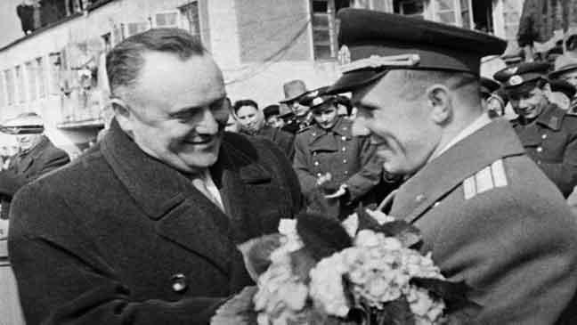 سيرغي كوروليوف ويوري غاغارين