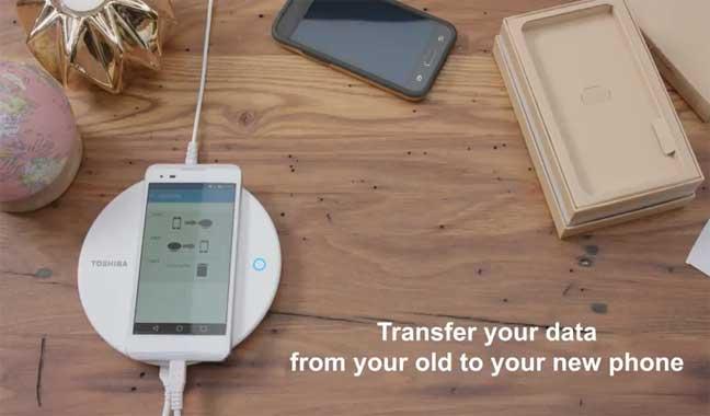 شاحن ذكي من توشيبا قادر على نسخ محتويات الهاتف