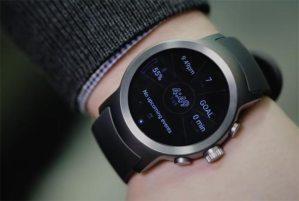 ساعة ذكية من ال جي