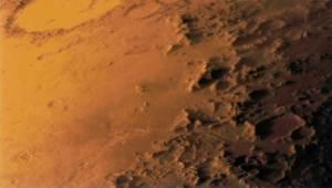 اكتشاف تلال بحجم مبان عملاقة على سطح المريخ