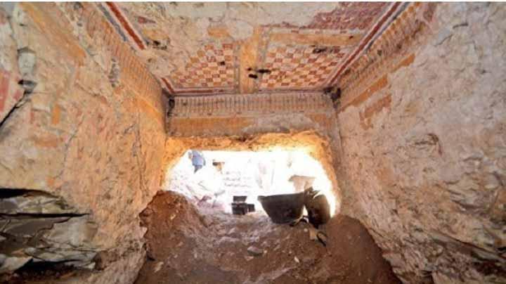 """اكتشاف مقبرة في الأقصر قد تعود لعصر """"الرعامسة"""""""