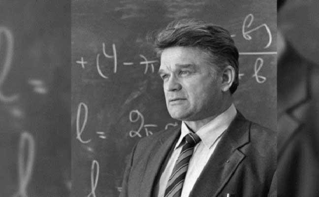 وفاة العالم الروسي مؤسس الفيزياء الرياضية الحديثة