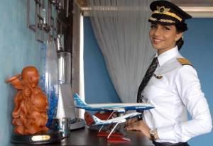 أصغر قائدة طائرة